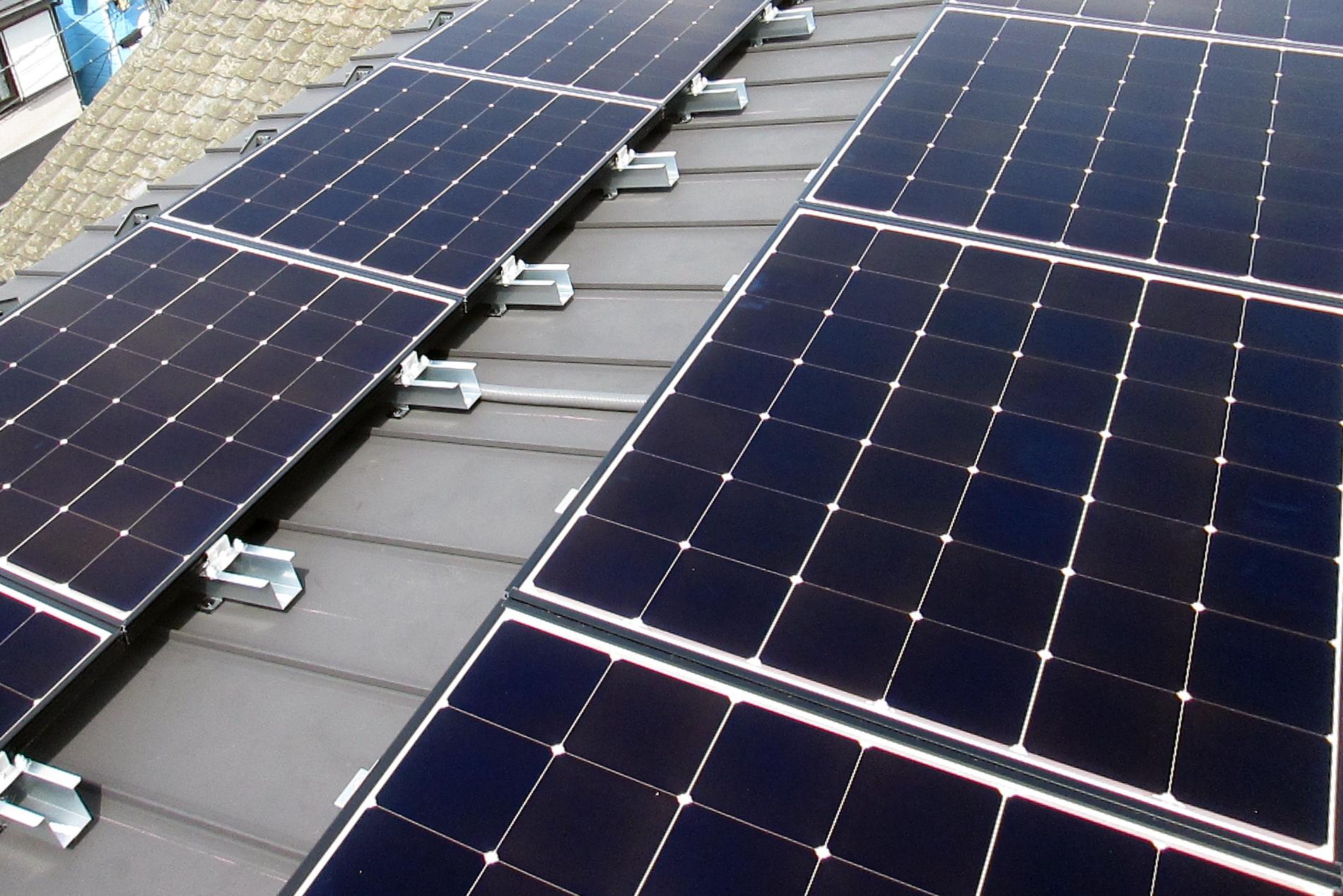 越谷市S様太陽光パネル設置完了
