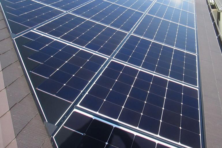 T様太陽光発電システムパネル設置完了
